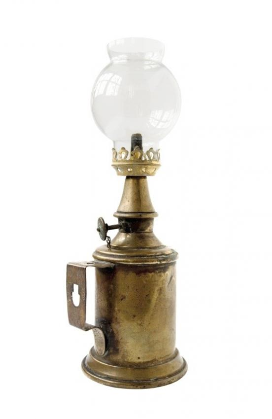 Antique Oil Lamp Pictures | LoveToKnow