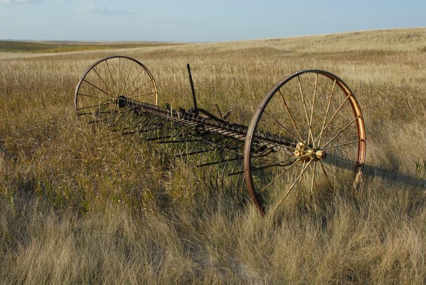 Antique Hay Rake Parts : Antique hay rake slideshow
