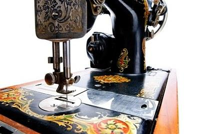Finding antique sewing machine parts lovetoknow antique sewing machine sciox Choice Image