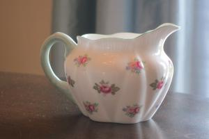 How do you identify Limoges china patterns?