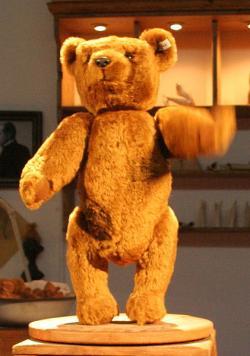 Steiff Teddy Bear image by MatthiasKabel (Own work)