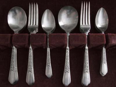 Antique Silver Spoons : The British Antique Dealers