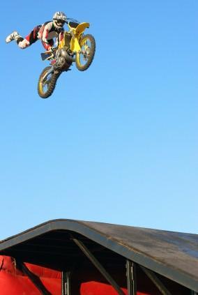 evelknievel,motorcycle jump,motorcyle stunt