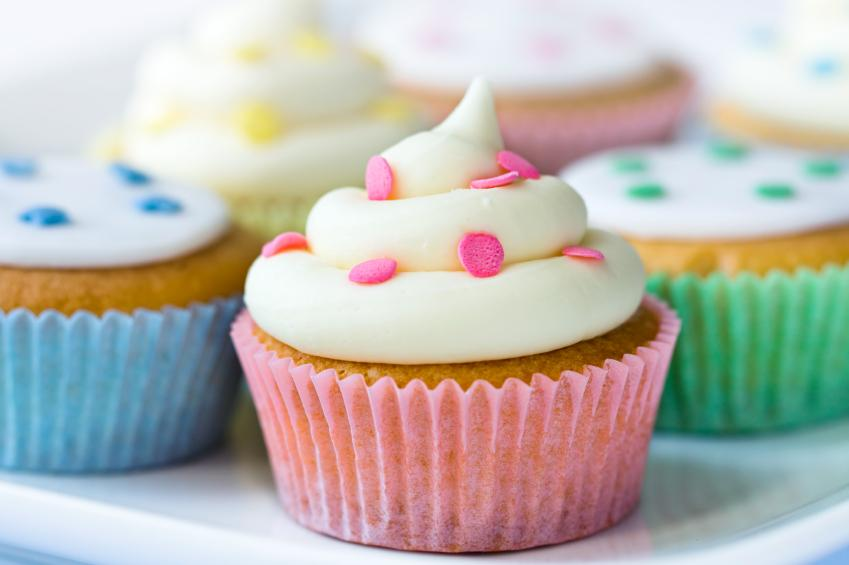 Decorating Baby Shower Cupcakes simple and easy baby shower cupcake ideas