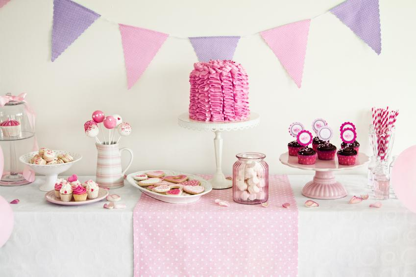 Girl baby shower decorations slideshow for Baby girl shower decoration