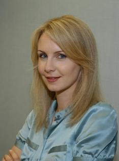 Dr. Jennifer Salzer