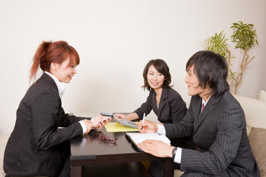 business etiquette in japan Etiquette for gift giving in japan the exchange of gifts is a central part of business etiquette and of japanese culture in general whether it is for your boss, coworkers or friends, there are a few things you should know.