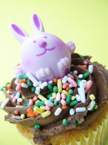 easter bunny cupcakes pictures. cute easter bunny cupcakes.