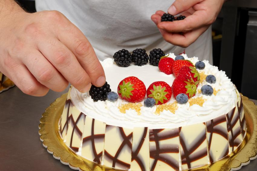 Cake Decorating with Fruit [Slideshow]