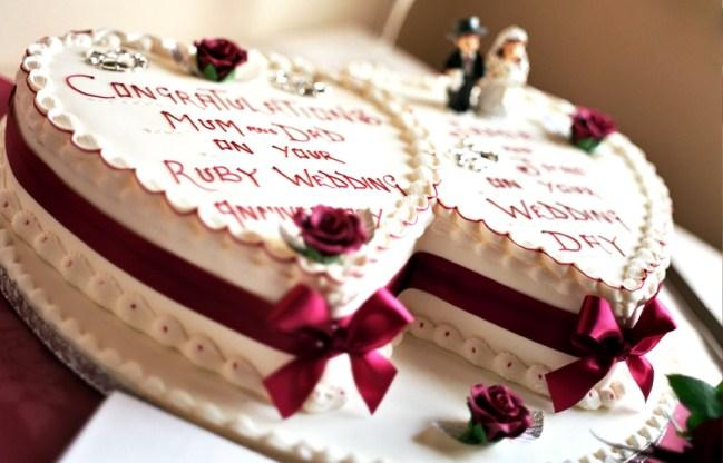 Cheap Wedding Cakes For The Holiday Wedding Anniversary Cakes Wordings