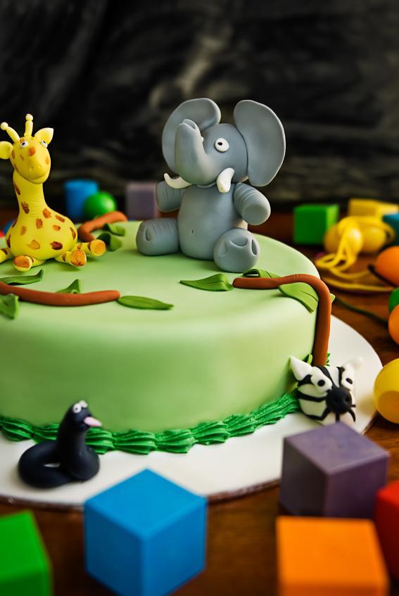 Giraffe Cake Designs Slideshow
