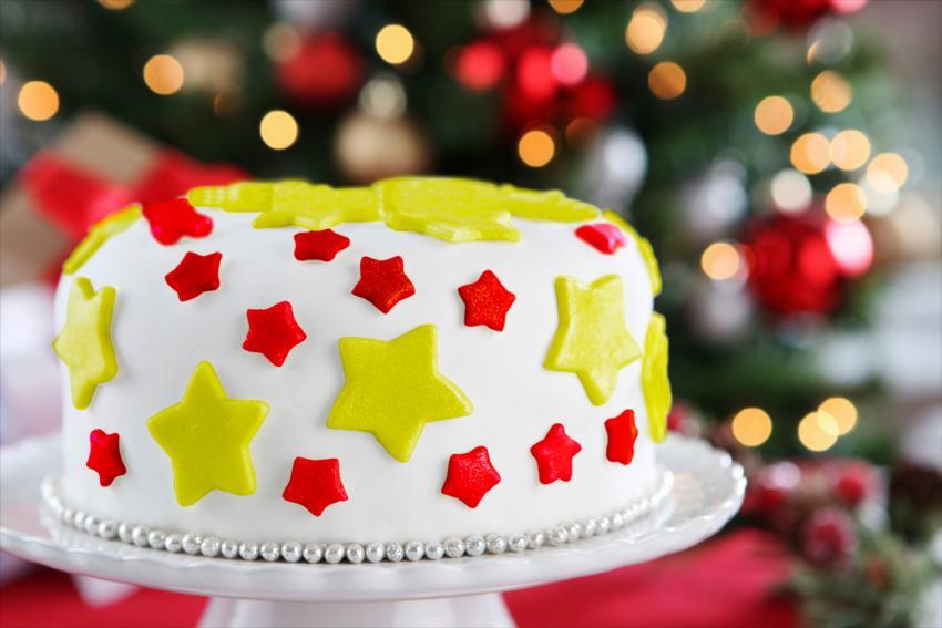 Top 10 Christmas Cake Designs [Slideshow]