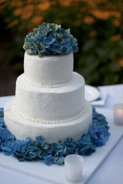 Use hydrangea cutters to make realistic fondant flowers like these.