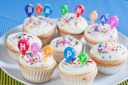 Cupcake Decorating Ideas Birthday : Birthday Cupcake Ideas LoveToKnow