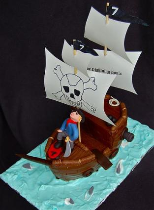 Fondant pirate ship cake