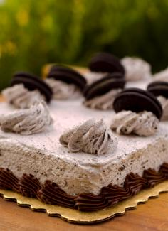 Rectangular Oreo cookie cake