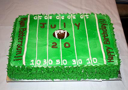 Cake Decorating Football Field : How to Make a Football Cake