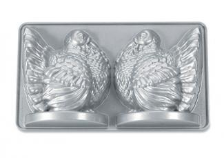 Nordic Ware Platinum Collection 3-D Turkey Cake Pan