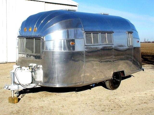 Vintage Airstream Trailer 112