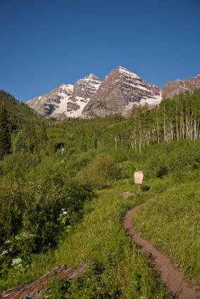 Aspen Hiking Trail to Maroon Bells