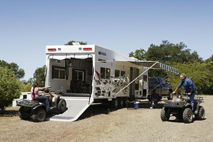 Choosing a rv toy hauler lovetoknow for Motor home toy haulers