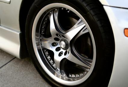 custom car wheel