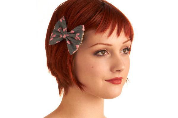 Cheerleading hairstyles lovetoknow side bow with short hair httpmodclothshop urmus Choice Image