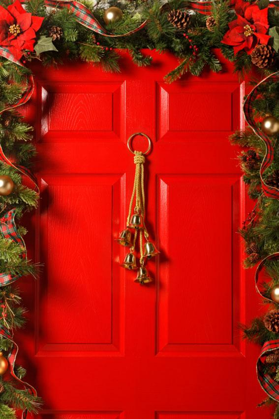 Front door christmas decoration ideas slideshow for Above door decoration