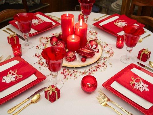 Christmas table decoration idea gallery slideshow for Table noel rouge et blanc