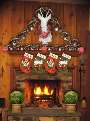 Christmas Fireplace Decorations Lovetoknow