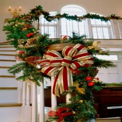 Staircase Christmas greenery