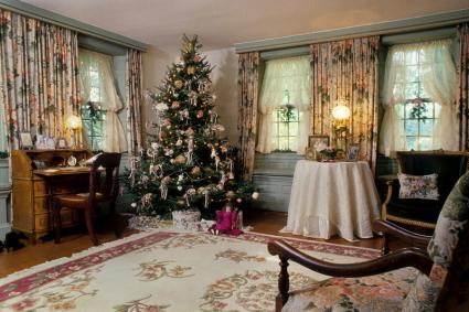 Victorian Christmas living room