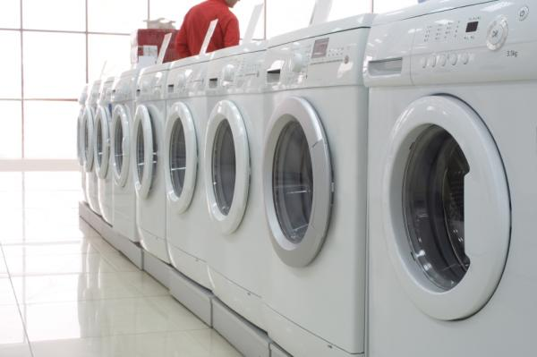 How To Clean & Deodorize A Washing Machine & Clothes
