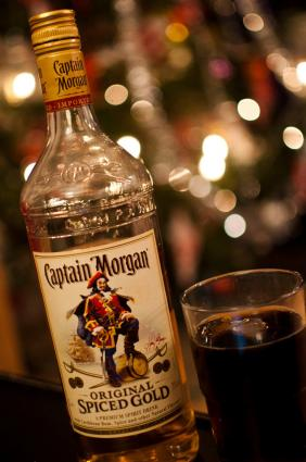 Captain morgan drink recipes lovetoknow for Mix spiced rum with