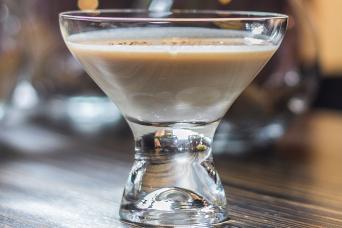 brandy alexander shake