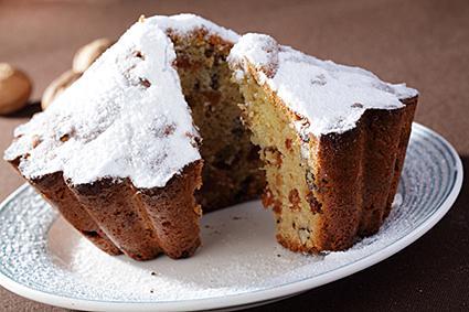 Raisin and Nut Cake