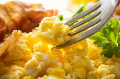 Fluffy scrambled eggs