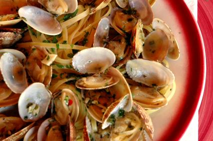 White clam sauce with noodles