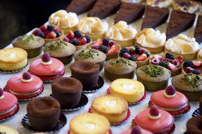 Dessert bar sweets