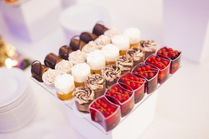 Dessert bar dessert table