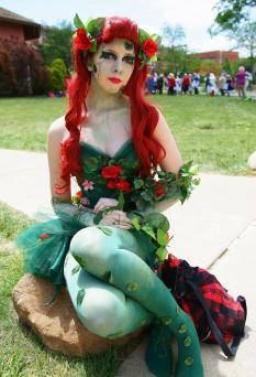 Do-it-yourself Poison Ivy costume