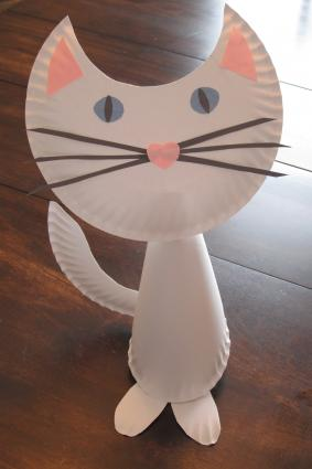 How to make a paper plate cat lovetoknow for Cat crafts for toddlers