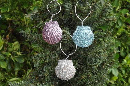 Glitter Scallop Ornaments