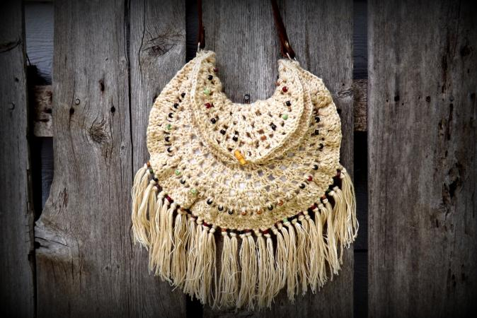 http://cf.ltkcdn.net/crafts/files/3366-Crochet-Beaded-Gypsy-Bag.pdf