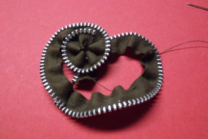 Begin rosette curl.