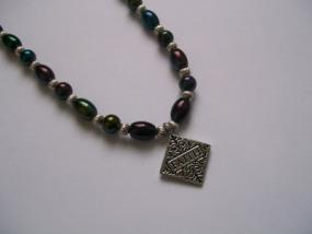 Links to Necklace Jewelry Making Projects by Picture using Beads