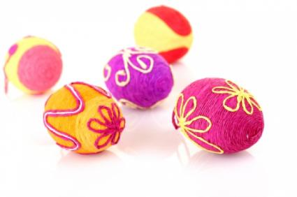 Yarn-covered Easter eggs
