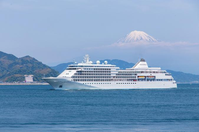 Silver Shadow, Shimizu Port, Japan