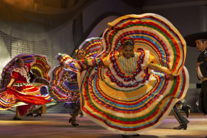 Traditional Mexican dancers