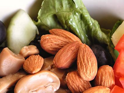 Raw vegetables and almonds